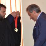 Biserica din Timoc l-a decorat pe primarul Caransebesului
