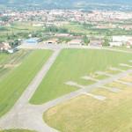 Vor sa dea aripi aeroportului din Caransebes