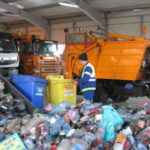 Drumul gunoiului trece si prin buzunare