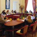 Mapă de şedinţă plină, pentru consilierii locali caransebeşeni
